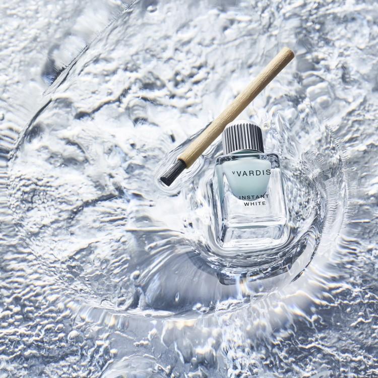 Aletsch whitening brush on gel on water
